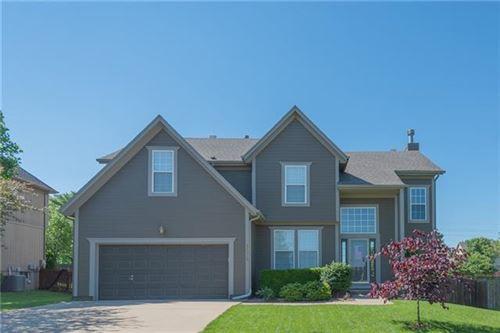 Photo of 21319 W 54th Terrace, Shawnee, KS 66218 (MLS # 2326457)