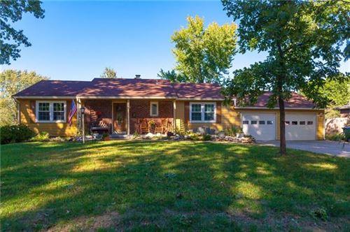 Photo of 516 E Grace Terrace, Olathe, KS 66061 (MLS # 2350476)