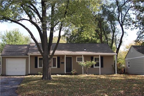 Photo of 7227 Dearborn Street, Overland Park, KS 66204 (MLS # 2249480)