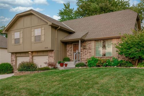 Photo of 1806 S ARROWHEAD Drive, Olathe, KS 66062 (MLS # 2243497)