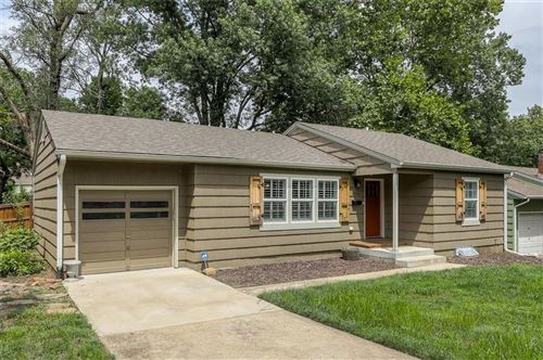 Photo of 4704 W 76th Street, Prairie Village, KS 66208 (MLS # 2235509)