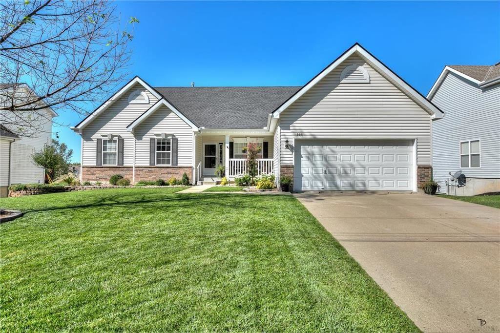 Photo for 908 Glendale Road, Liberty, MO 64068 (MLS # 2196515)