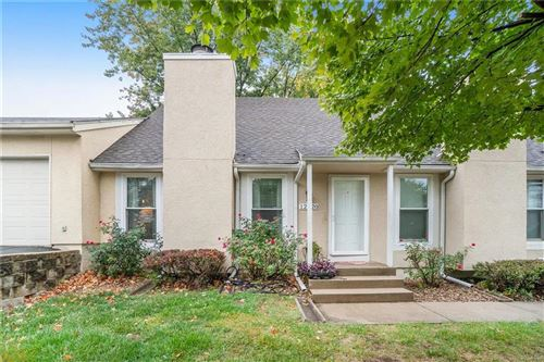 Photo of 12320 W 107th Terrace, Overland Park, KS 66210 (MLS # 2249527)
