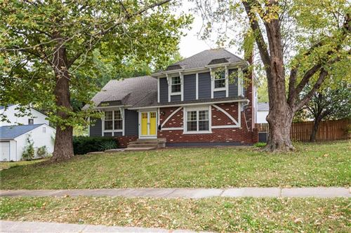 Photo of 10217 W 98th Street, Overland Park, KS 66212 (MLS # 2249533)