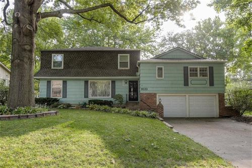 Photo of 9533 Riggs Street, Overland Park, KS 66212 (MLS # 2235550)