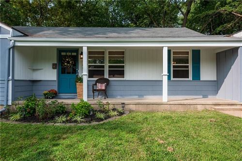 Photo of 1402 High Grove Road, Grandview, MO 64030 (MLS # 2243553)