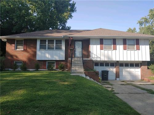 Photo of 13400 E 44th South Street, Independence, MO 64055 (MLS # 2243554)