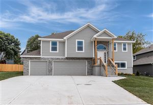 Photo of 4766 Lakecrest Drive, Shawnee, KS 66218 (MLS # 2148556)