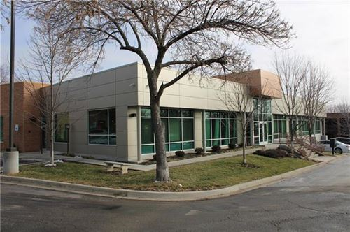 Photo of 8625 College Boulevard, Overland Park, KS 66210 (MLS # 2257568)