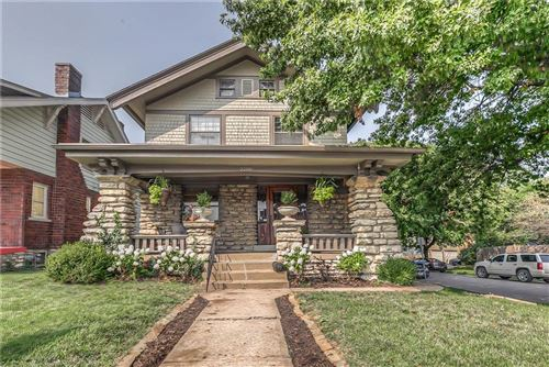 Photo of 3200 Summit Street, Kansas City, MO 64111 (MLS # 2243571)