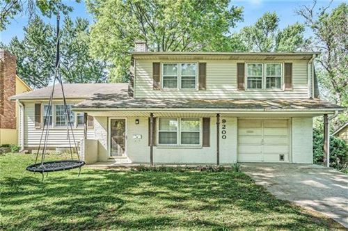 Photo of 9200 W 90th Terrace, Overland Park, KS 66212 (MLS # 2319581)