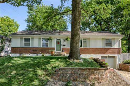 Photo of 3740 NE 49TH Terrace, Kansas City, MO 64119 (MLS # 2336583)
