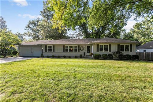 Photo of 4301 W 97th Street, Overland Park, KS 66207 (MLS # 2243585)