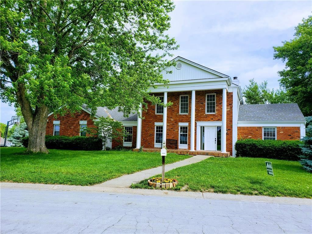 Photo for 20600 Country Club Drive, Liberty, MO 64068 (MLS # 2174591)