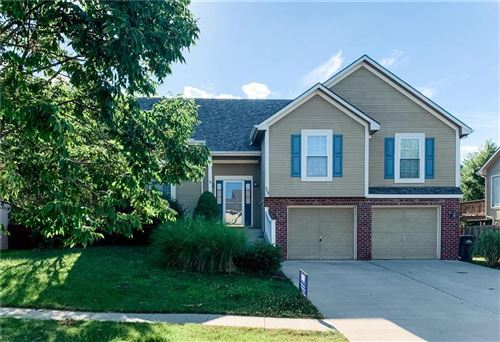 Photo of 804 Blueberry Court, Lansing, KS 66043 (MLS # 2230618)