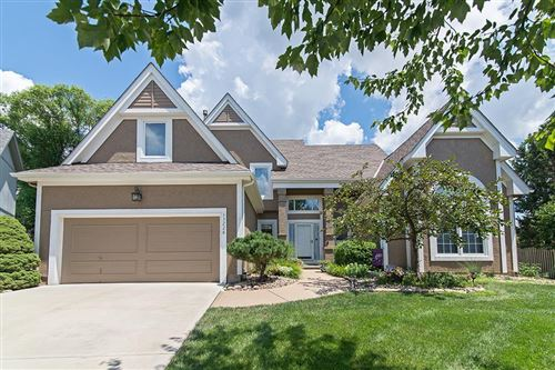 Photo of 13228 W 132nd Street, Overland Park, KS 66213 (MLS # 2236629)
