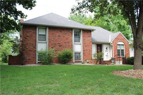 Photo of 12108 E 61st Terrace, Kansas City, MO 64133 (MLS # 2233637)