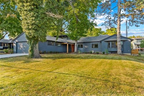 Photo of 4308 W 79th Street, Prairie Village, KS 66208 (MLS # 2246639)