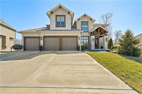 Photo of 14735 NW 61st Street, Parkville, MO 64152 (MLS # 2308639)