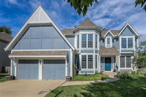 Photo of 12838 Barton Street, Overland Park, KS 66213 (MLS # 2176653)