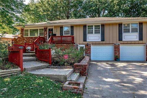 Photo of 717 S WINDSOR Road, Olathe, KS 66061 (MLS # 2244661)
