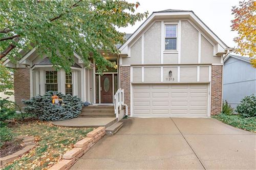 Photo of 11313 CODY Street, Overland Park, KS 66210 (MLS # 2249669)