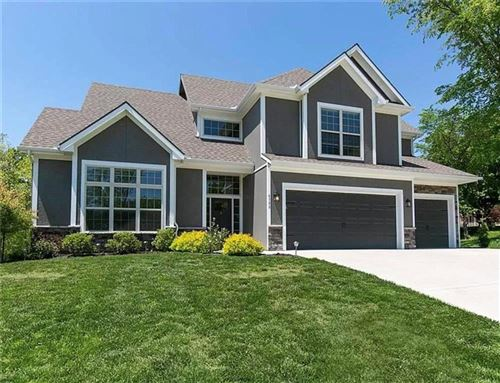 Photo of 6388 NW Sioux Drive, Parkville, MO 64152 (MLS # 2208670)