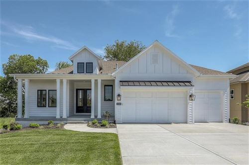 Photo of 11200 W 170th Place, Overland Park, KS 66221 (MLS # 2184675)