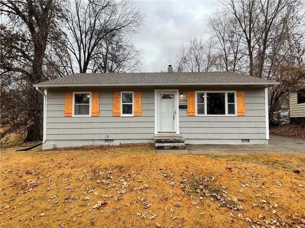 Photo of 2306 NE 59th Street, Gladstone, MO 64119 (MLS # 2249675)