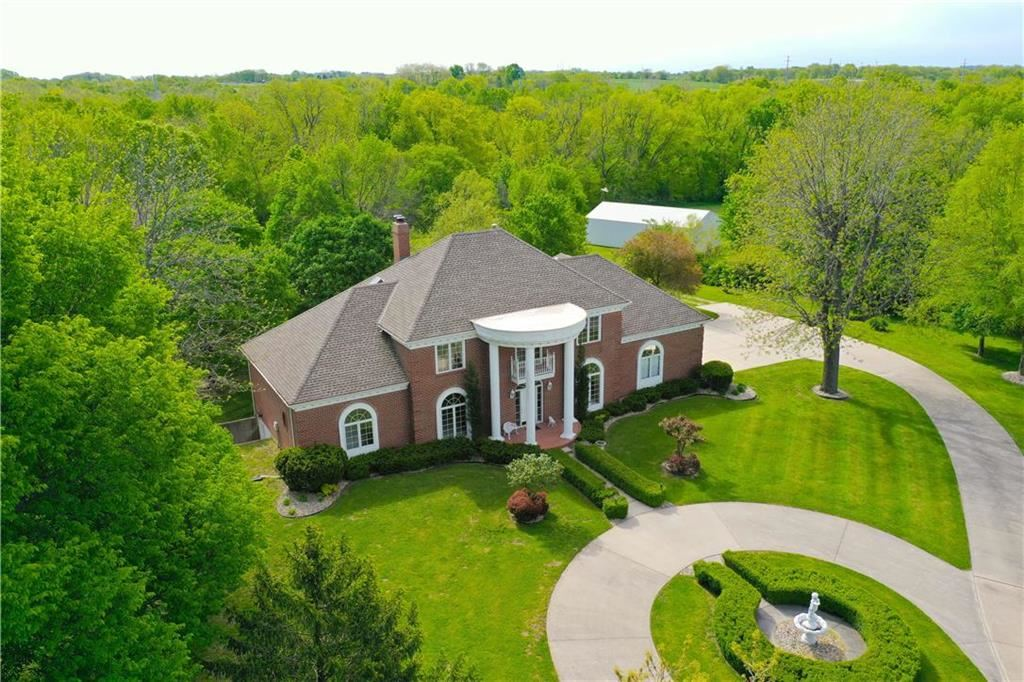 Photo of 2005 S Withers Court, Liberty, MO 64068 (MLS # 2220678)