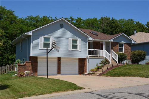 Photo of 4101 NW Delwood Drive, Blue Springs, MO 64015 (MLS # 2230684)