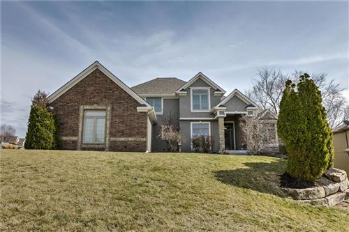 Photo of 6155 N Hickory Place, Parkville, MO 64152 (MLS # 2211685)
