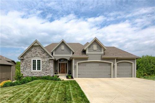 Photo of 13318 W 49th Terrace, Shawnee, KS 66216 (MLS # 2320689)