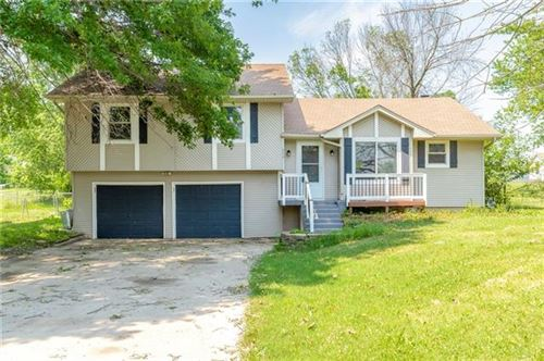 Photo of 650 Walnut Place, Holt, MO 64048 (MLS # 2328704)