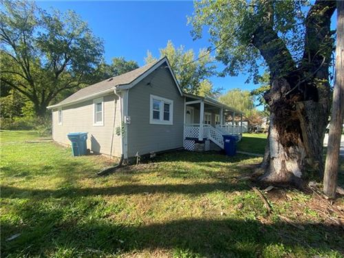 Photo of 212 Valley Street, Excelsior Springs, MO 64024 (MLS # 2350718)