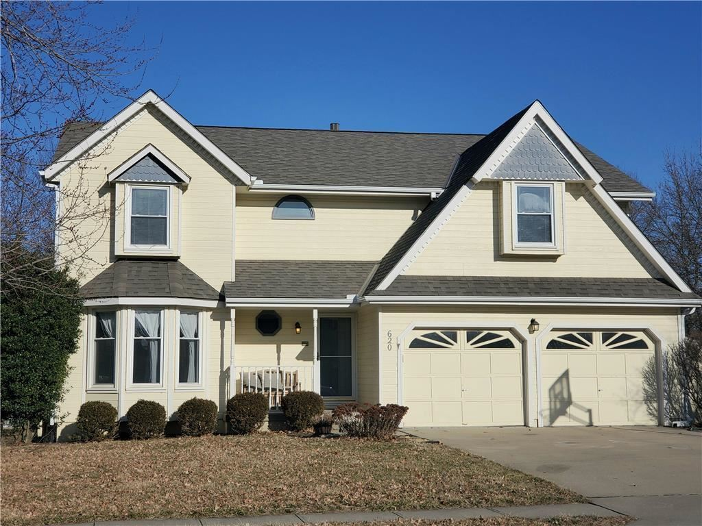 Photo of 620 Northpoint Avenue, Liberty, MO 64068 (MLS # 2207728)