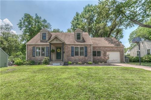 Photo of 6501 W 80th Terrace, Overland Park, KS 66204 (MLS # 2229750)