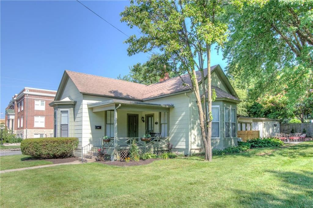 Photo of 400 E Kansas Street, Liberty, MO 64068 (MLS # 2183760)