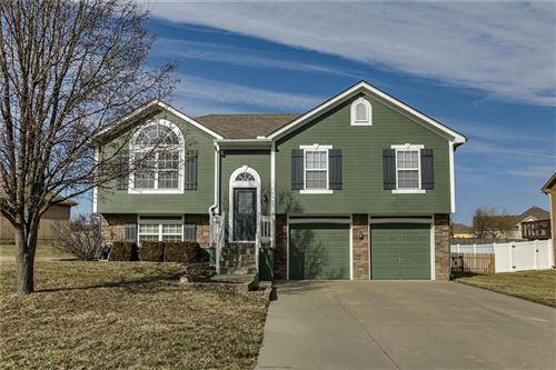 Photo of 1922 Parkview Drive, Raymore, MO 64083 (MLS # 2207767)