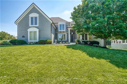 Photo of 5501 W 148 Place, Overland Park, KS 66223 (MLS # 2222775)