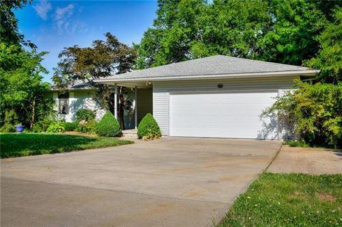 Photo of 7610 Pampas Lane, Kansas City, MO 64152 (MLS # 2328779)