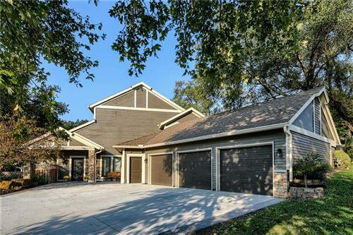 Photo of 7010 PFLUMM Road, Shawnee, KS 66216 (MLS # 2247780)