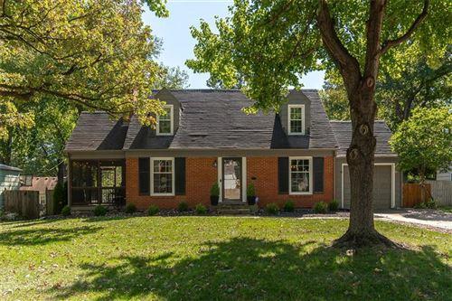 Photo of 5301 W 57th Terrace, Roeland Park, KS 66205 (MLS # 2245781)