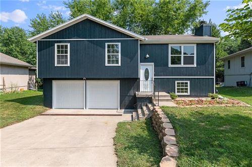 Photo of 1818 W Gates Drive, Platte City, MO 64079 (MLS # 2337781)