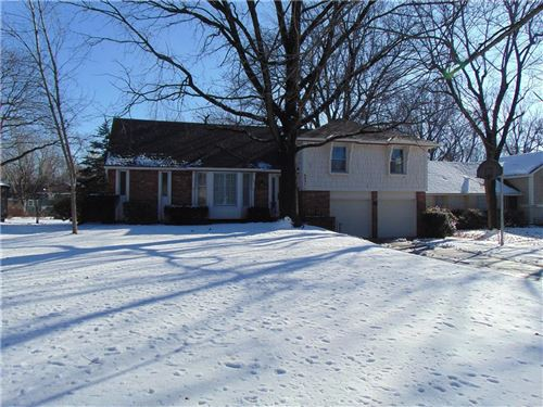 Photo of 6931 Santa Fe Drive, Overland Park, KS 66204 (MLS # 2204786)