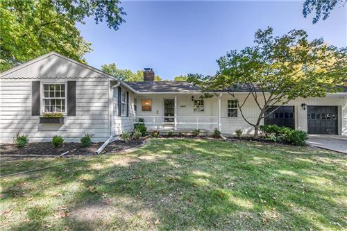 Photo of 4648 W 72nd Terrace, Prairie Village, KS 66208 (MLS # 2240809)