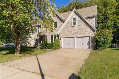 Photo of 15641 S Lindenwood Drive, Olathe, KS 66062 (MLS # 2350810)