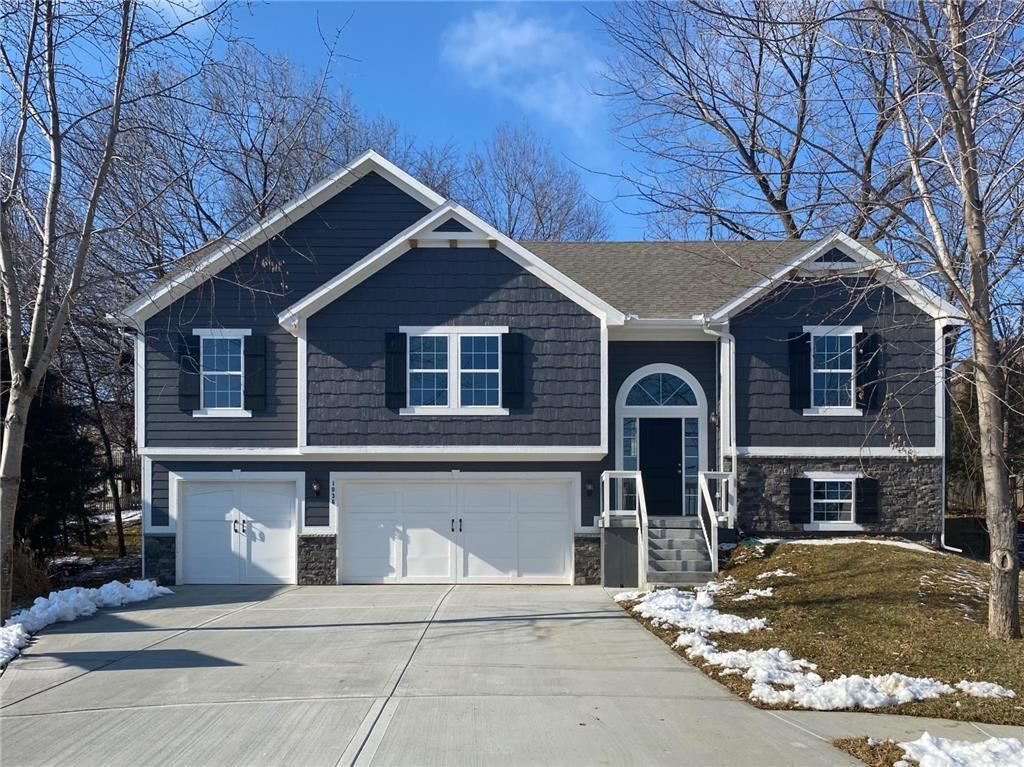Photo of 1036 Redwood Lane, Liberty, MO 64068 (MLS # 2185821)