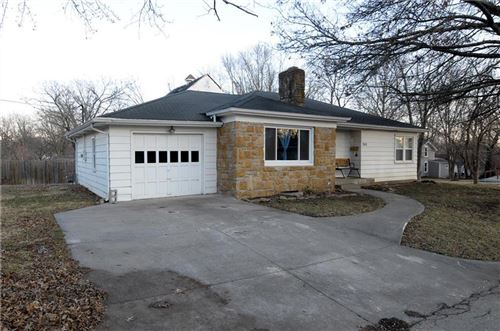 Photo of 302 E Miami Street, Paola, KS 66071 (MLS # 2206823)