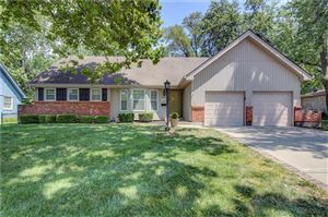 Photo of 8319 Grant Avenue, Overland Park, KS 66212 (MLS # 2178828)